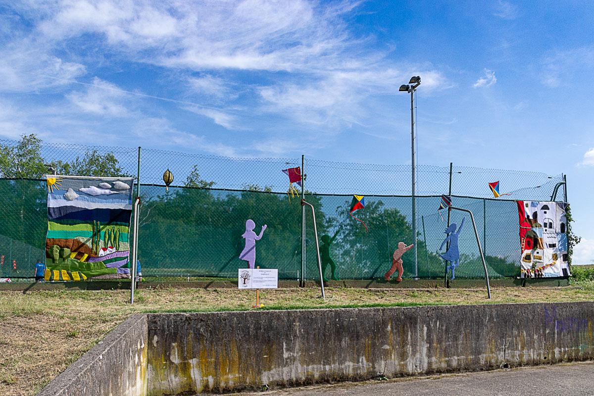 CommunaysART & Jardins 2021 : Murs en maille et marmaille panneau 3