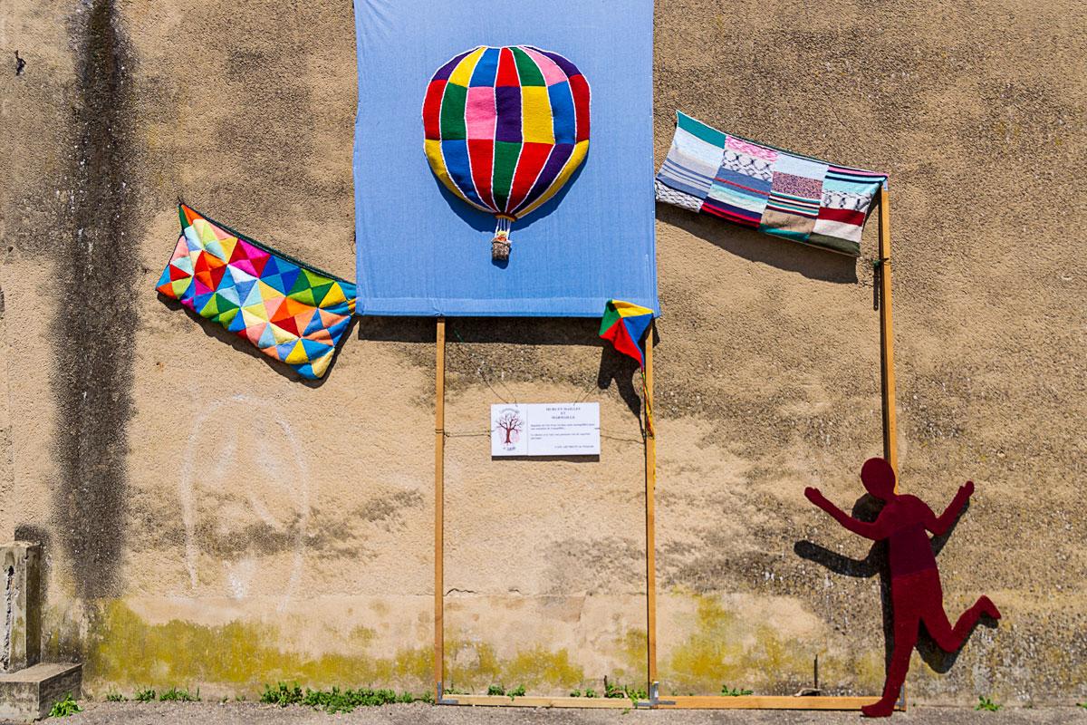 CommunaysART & Jardins 2021 : Murs en maille et marmaille panneau 1, Auteurs : Café ART'ricot